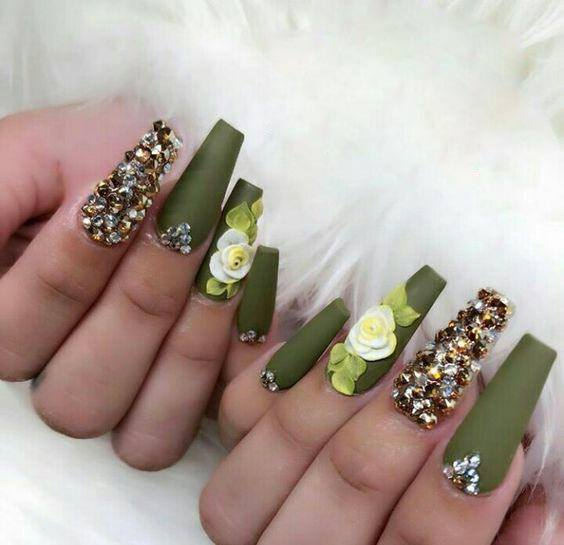 Gingham Accent Nail green