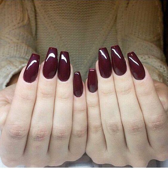 Glitter Fade Nails pour dark maroon light