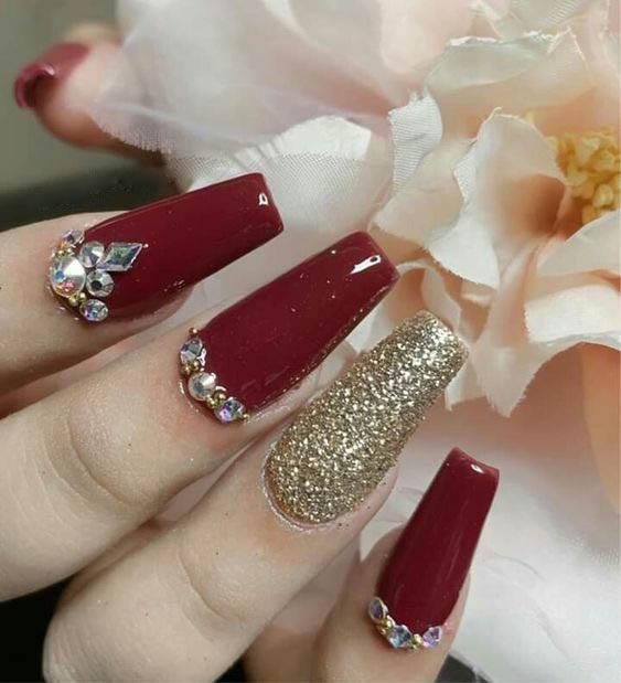 Paint Splatter Nail Art for wedding