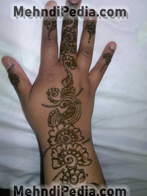 karachi style mehndi designs