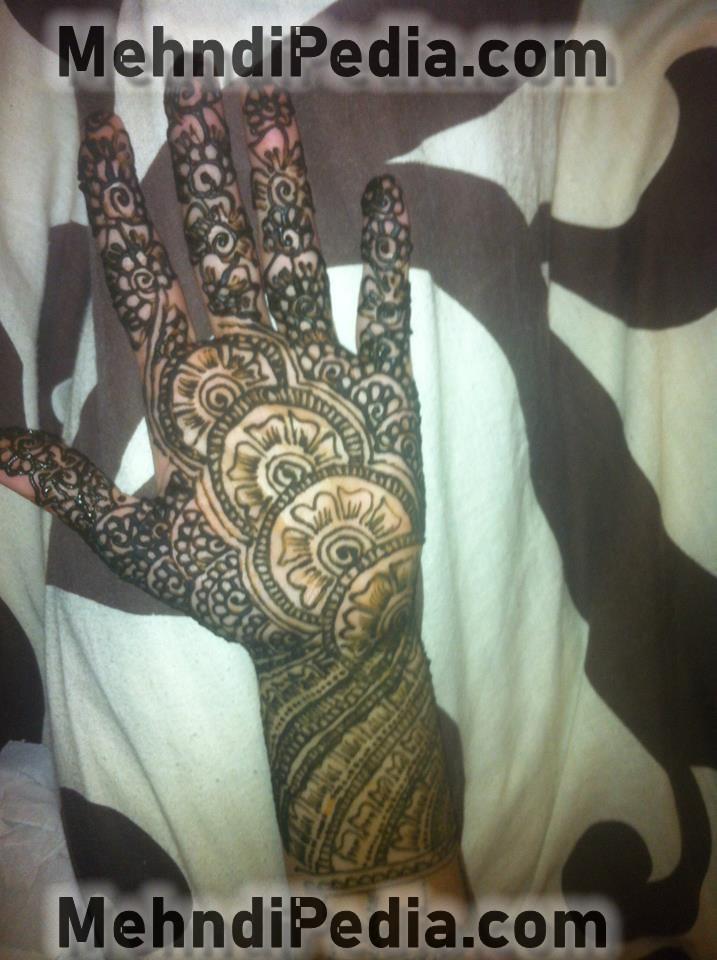 simple bridal hand mehendi designs